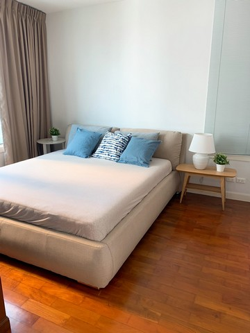 Siri Residence Sukhumvit 24 peaceful 17th floor safe BTS Phrom Phong