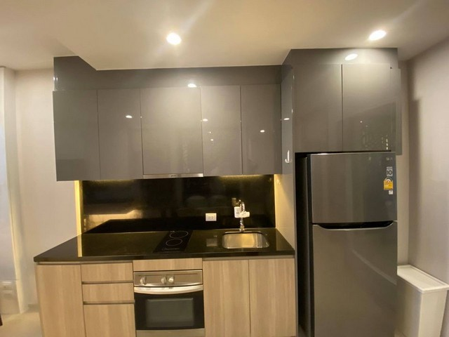 Top-floor 2Bed1Bath at Noble Ploenchit 75,000 THB monthly **
